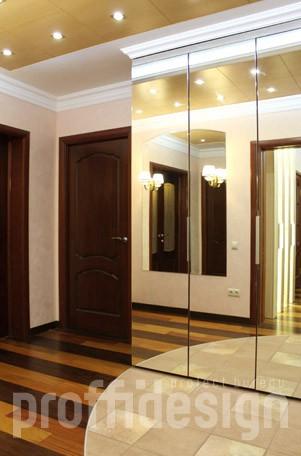 Дизайн и ремонт четырёхкомнатной квартиры в Москве – зеркальный шкаф.