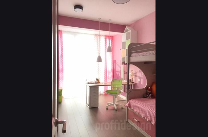 Комната маленькой девочки в розовых тонах