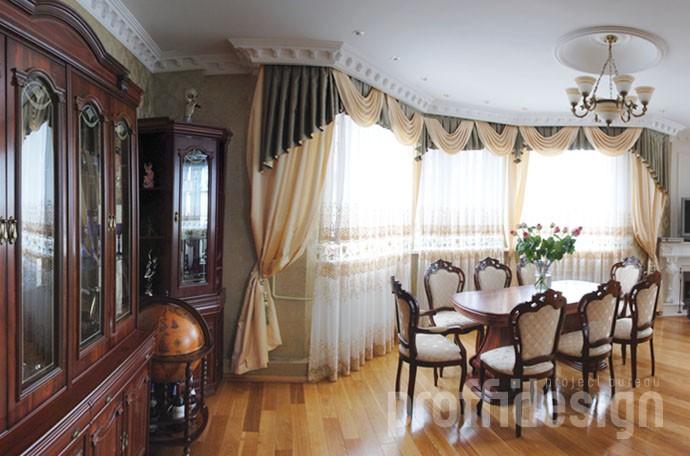 Дизайн интерьера гостиной на первом этаже загородного дома - Калужское шоссе, МО