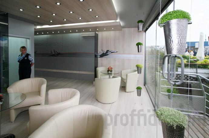 Дизайн лаунж-зоны в шале компании «РОСОБОРОНЭКСПОРТ» на выставке