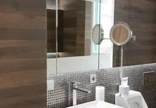 Подвесной комплект мебели для ванной: шкаф-пенал, тумба, шкаф с зеркалом