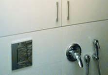 Сантехнический шкаф в совмещённый санузел под водонагреватель
