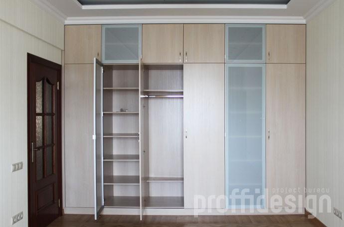 внутреннее устройство встроенного шкафа для гостиной, заказать в москве, изготовление