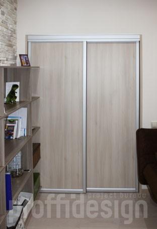 Двери в гардеробную комнату дверцы на рельсах