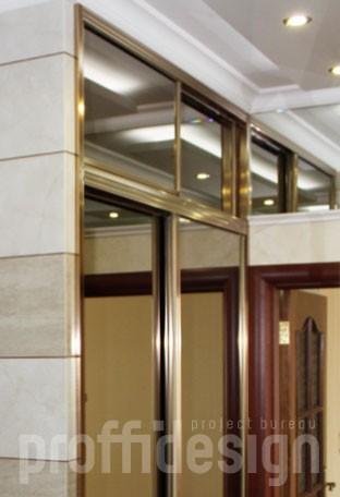 Шкаф-купе с зеркальными с антресолью для прихожей