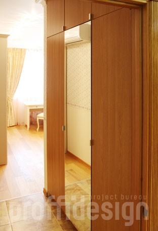 Изготовить встроенный шкаф с зеркалом для детской комнаты на заказ