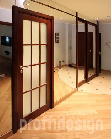 Стена с зеркалом и шкаф-купе с зеркальными дверями изготовить в москве